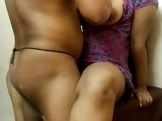 Indian Big Boobs Girl Early Morning Sex [720p]