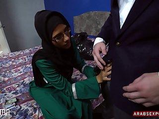 Victoria Valencia Desperate Arab Woman Fucks For Money 14.07.2016